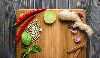7 Spices to Give Meals a Warm Flavor