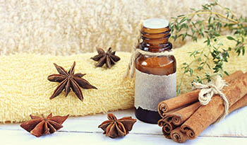 3 Aromatherapy Recipes to Help with Holiday Stress