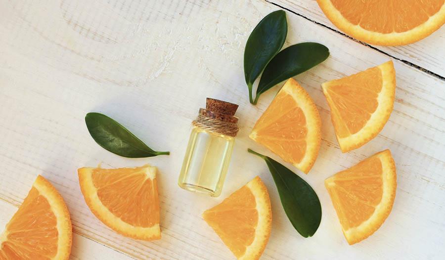 Benefits of Topical Vitamin C Serum + Homemade Facial Serum Recipe