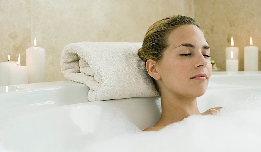 Быстрые и простые рецепты детокс-ванн, которые расслабляют и омолаживают