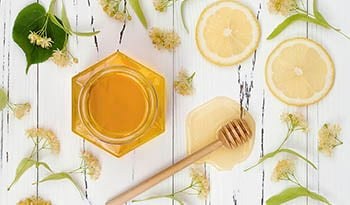 Health Benefits and Uses of Manuka Honey