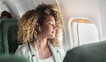 10 Tips on How to Stay Healthy While Flying