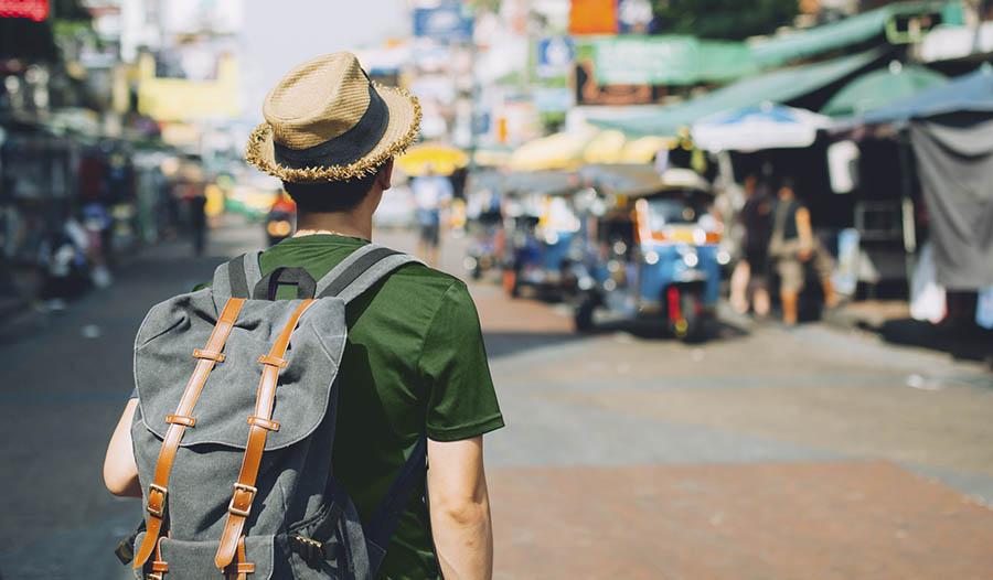 Como permanecer saudável ao viajar e suplementos para levar com você