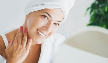 Natural Products to Keep Mature Skin Looking Glowy