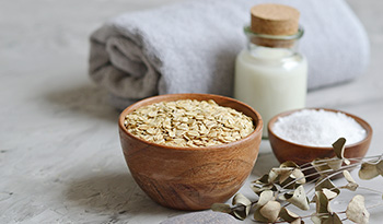 Relieve Irritated Skin With a Relaxing Homemade Oatmeal Bath