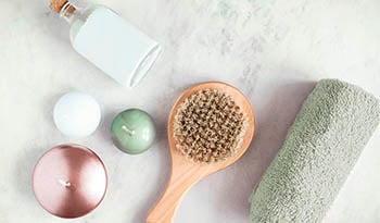 What is dry brushing and what are the health benefits?