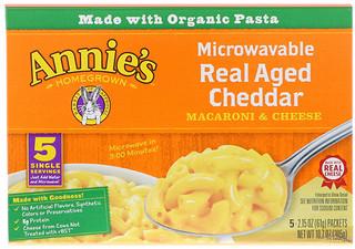 Annie's Homegrown, معكرونة وجبنة قابلة للصنع بالمايكرويف، شيدار حقيقية، 5 عبوات،  2.15 أونصة (61 غ) لكل عبوة