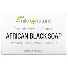 Mild By Nature, لوح صابون أسود أفريقي، بالشوفان وموز الجنة، 5 أونصة (141 جم)